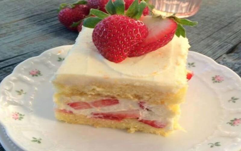 Gâteau Tiramisu aux fraises et au mascarpone