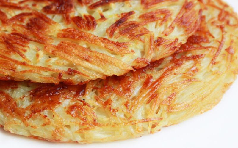 Galettes de pommes de terre râpées grillées