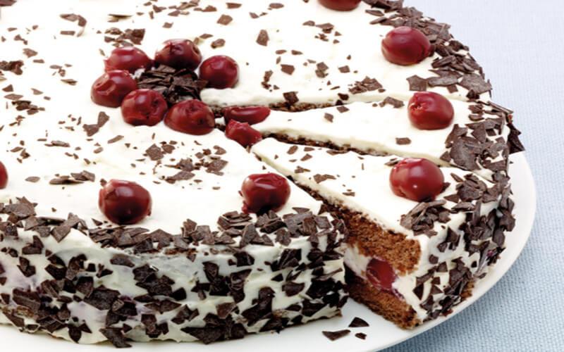 Gâteau forêt-noire pour un réveillon de noël inoubliable