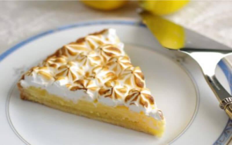 Tarte au citron meringuée délicieuse et facile à réaliser