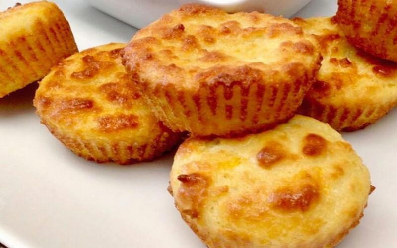 Muffins à la noix de coco Brésiliens moelleux