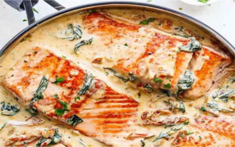 Saumon au beurre à l'ail un plat simple et sain