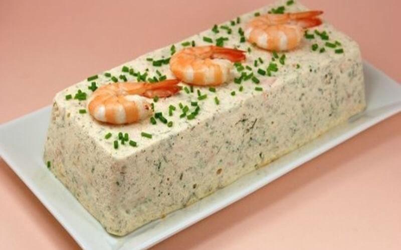 Terrine de Saint-Jacques, saumon et crevettes