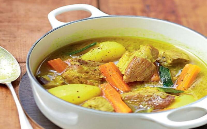 Colombo de porc aux légumes plat incontournable
