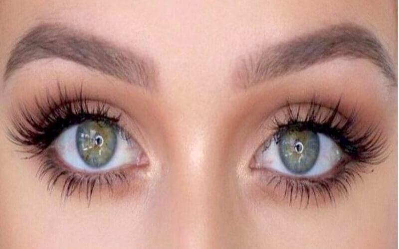 Toutes les personnes aux yeux verts seraient extraordinaires