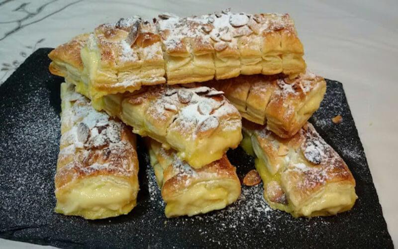 Chaussons crème pâtissière et amandes