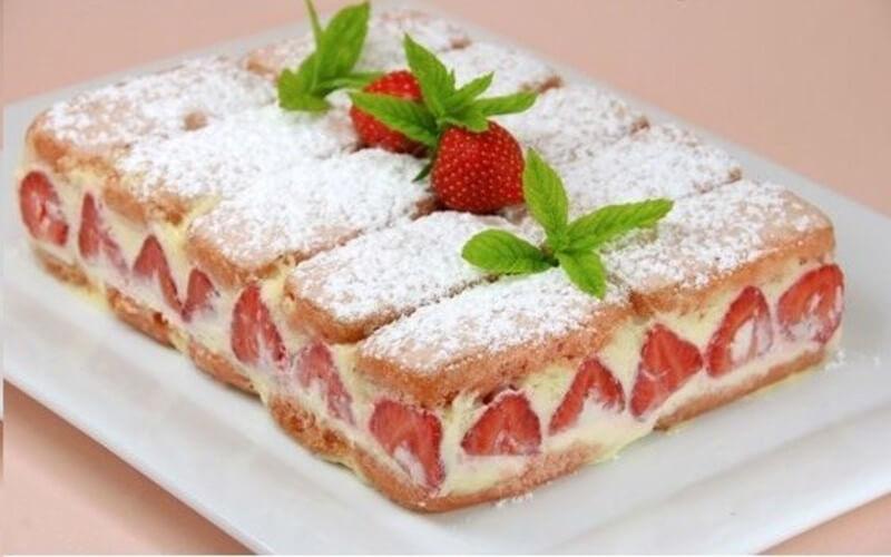 Fraisier aux biscuits roses recette délicieuse