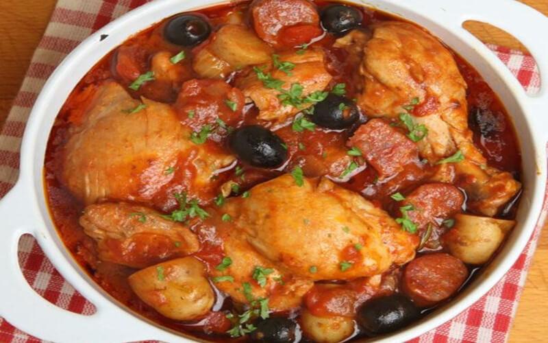 Une délicieuse recette de sauté de poulet au chorizo