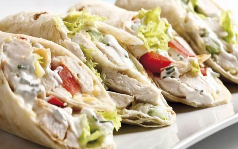 Wraps au poulet sandwichs traditionnels
