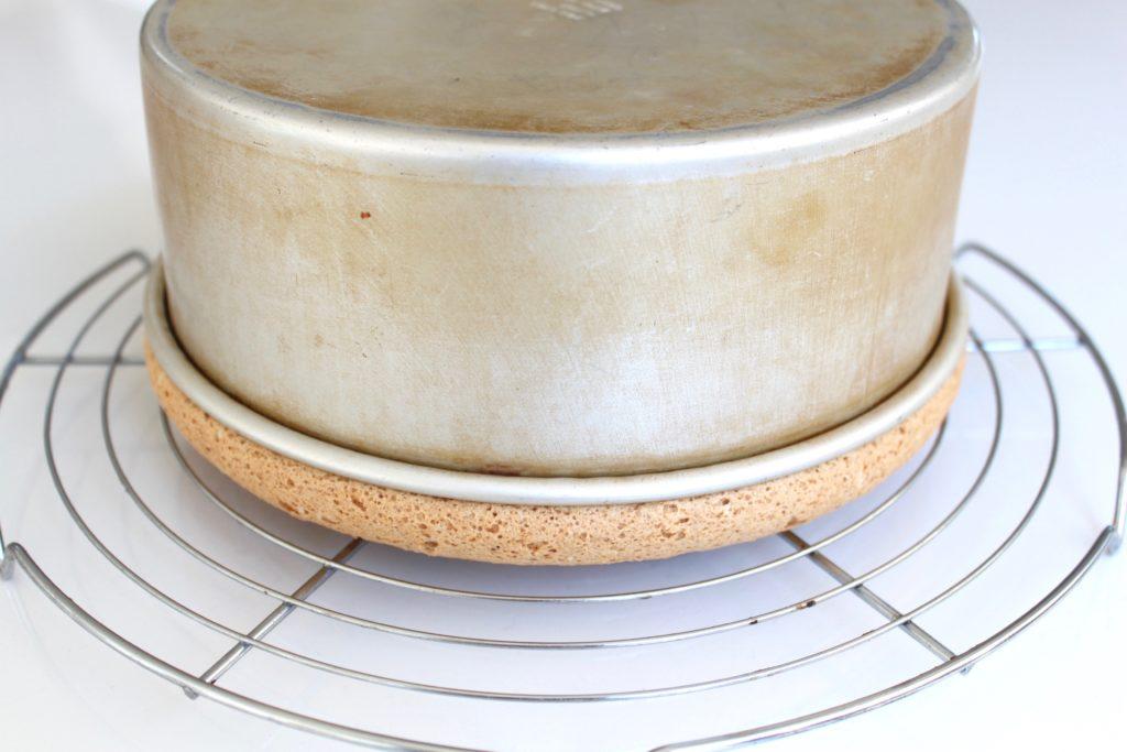 Comment préparer le CHIFFON CAKE – gâteau mousseline etape 6
