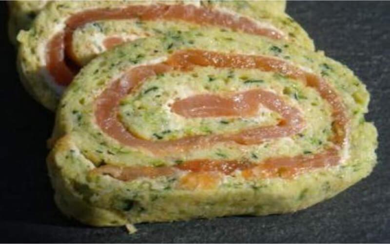 Roulé de courgettes au fromage et au saumon fumé