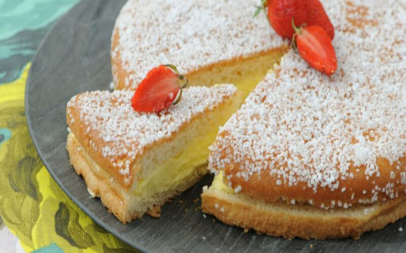 Gâteau à la crème pâtissière parfumé à la Vanille