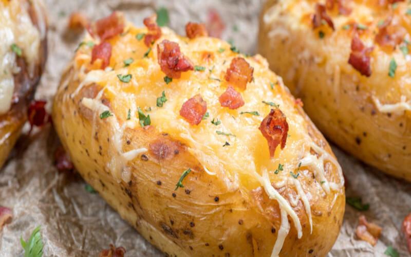Pommes de terre farcies à la cancoillotte et au jambon