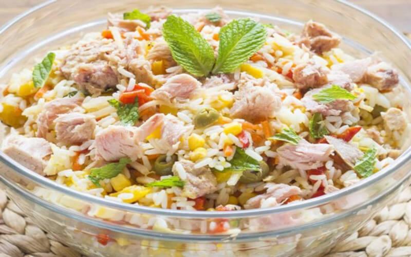 Salade de Riz au Thon et aux Œufs Durs WW