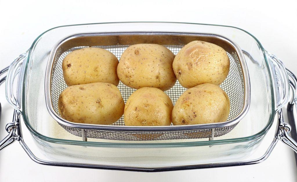 Comment préparer les Pommes de Terre Farcies à la Cancoillotte, Jambon Cru et Persil etape 1