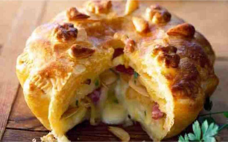 Tourte de pommes de terre à la crème et persil