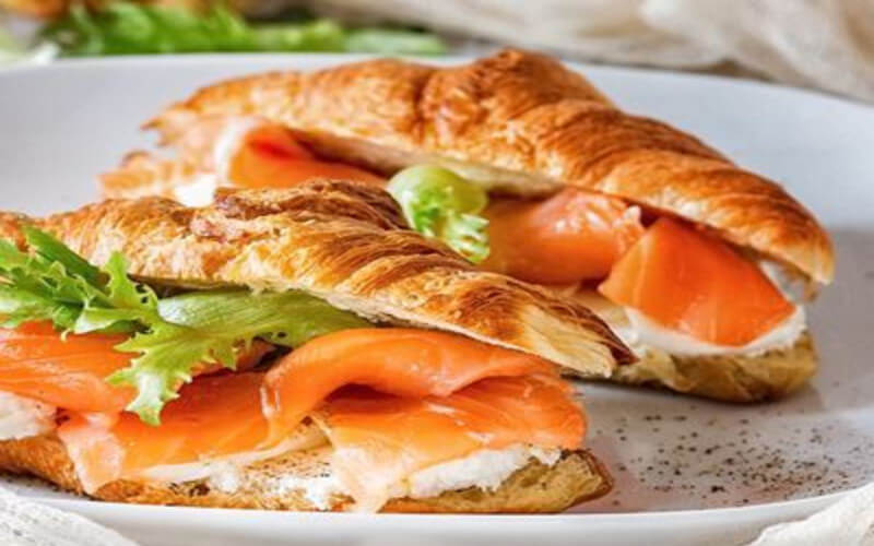 Croissants au saumon et au Boursin fait-maison