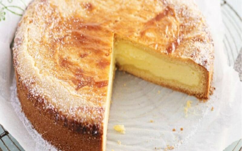 Gâteau à la crème pâtissière et amandes