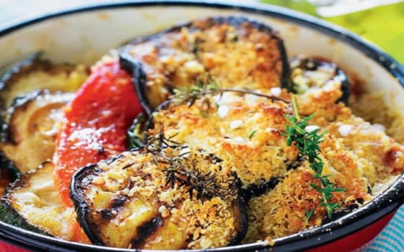 Gratin d'aubergines à la sicilienne plat familial