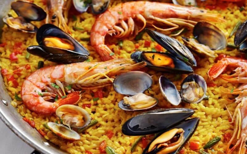 La Paella espagnole aux fruits de mer version express