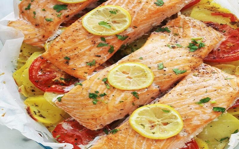 Pavés de saumon et pommes de terre au four