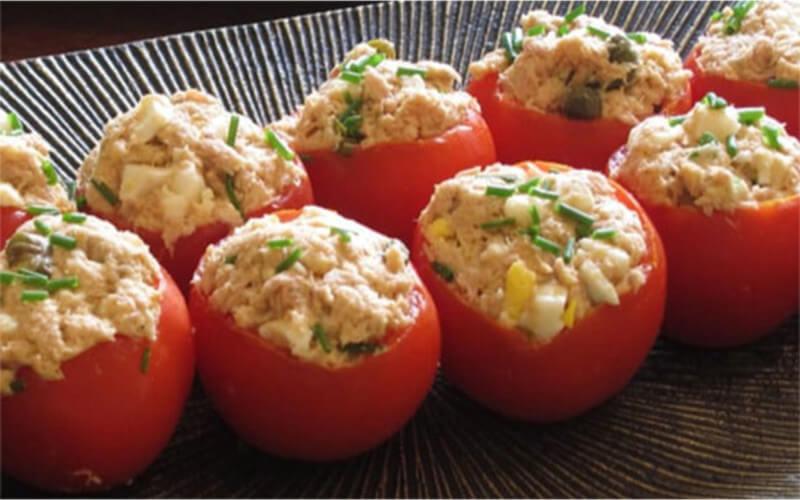 Tomates farcies à la mousse de thon recette simplissime