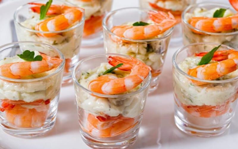 Verrines de crevettes, saumon et fromage frais
