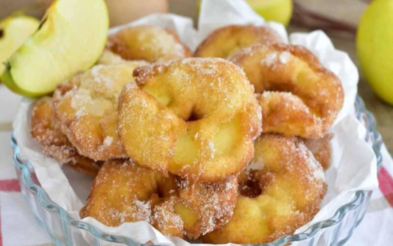 beignets aux pommes dessert qui réjouit petits et grands
