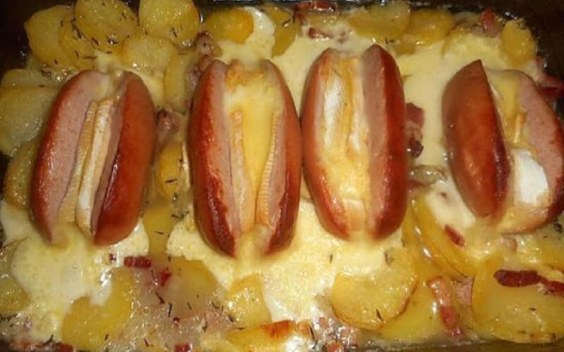 Cervelas à la savoyarde pommes de terre lardons