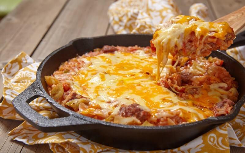 Chou à l'italienne à la viande hachée et tomates