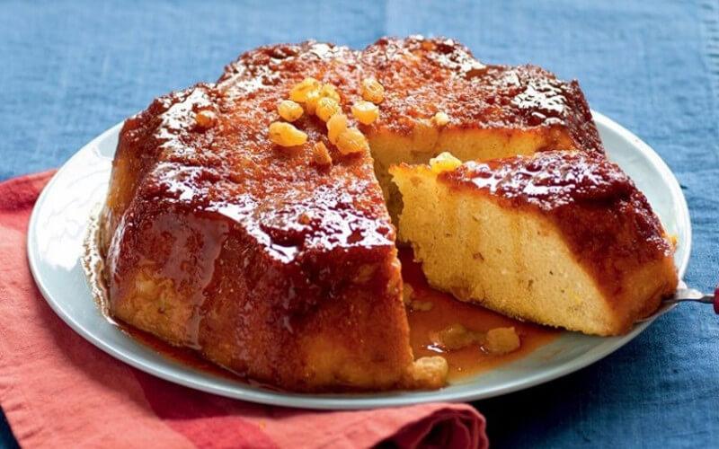 Gâteau de semoule rhum et raisins secs