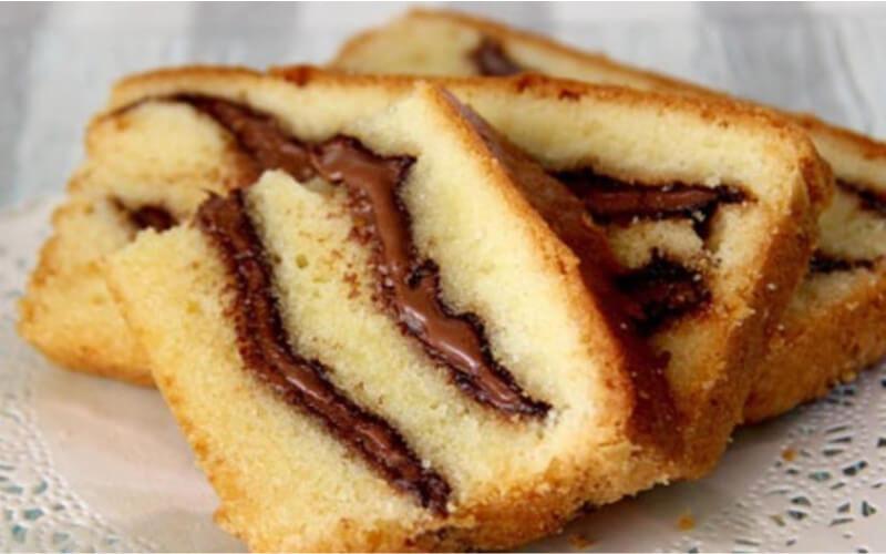 Cake au yaourt à la pâte à tartiner facile et rapide