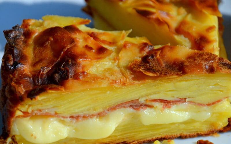 Gâteau Invisible à la Raclette et Pommes de terre