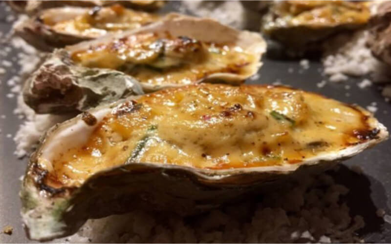 Huîtres chaudes à la crème fraîche Normande