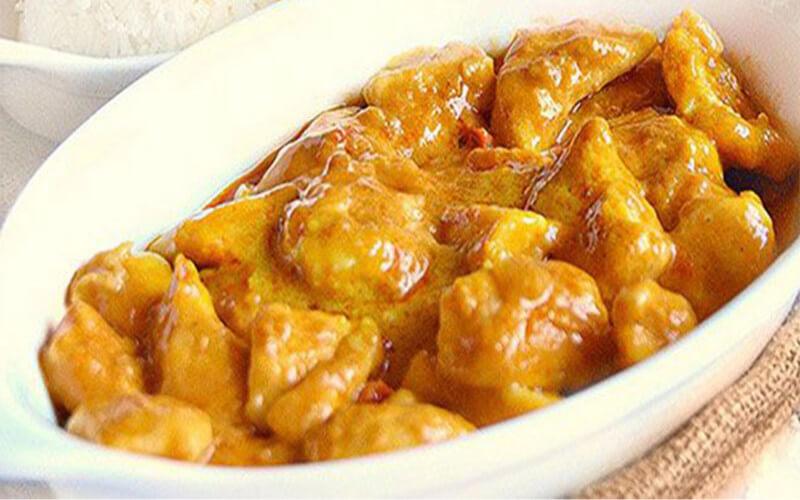 Ragoût de poulet et pomme de terre au vin blanc