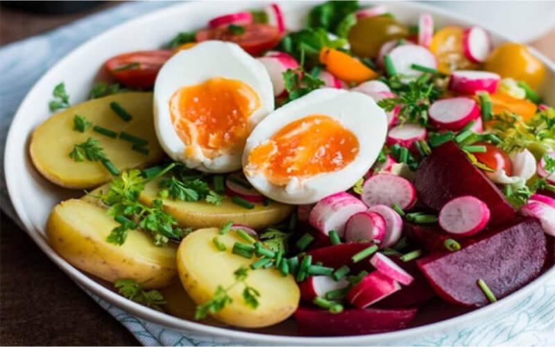 Salade complète Œuf, Betterave, Pomme de Terre