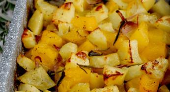Pommes de terre, potiron et d'oignon à la citrouille au four