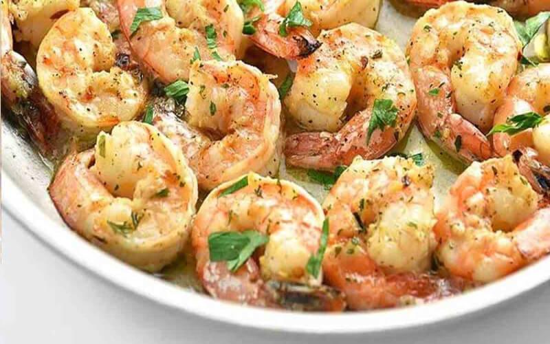 Crevettes à l'ail et citron préparées en 5 minutes