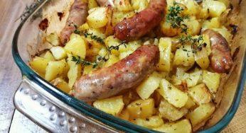 Pommes de terre et saucisses au four très simple